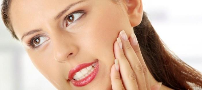 Боль при нажатии на зуб