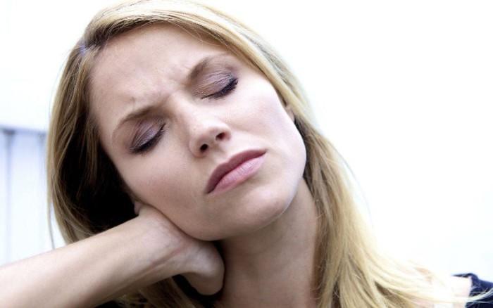Стресс мышц шеи
