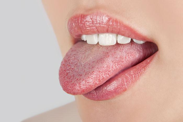 Розовый язык у человека