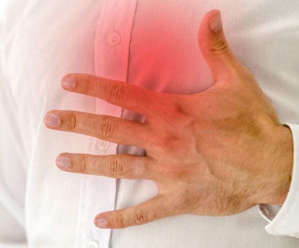 Спазмы желудка боль отдает в грудную клетку и спину