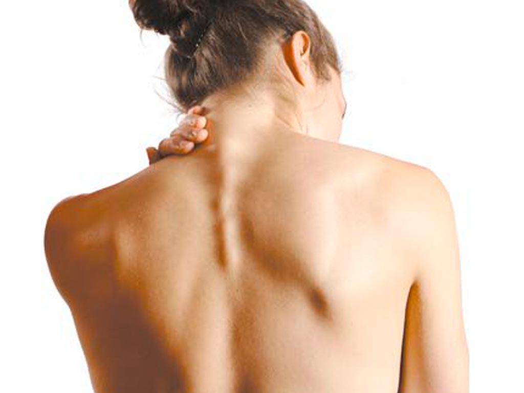 Болит в области спины в правой стороне