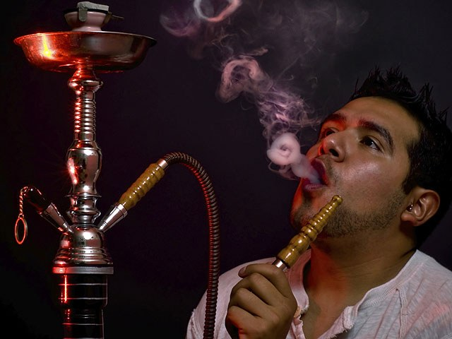 Кальян курильщик