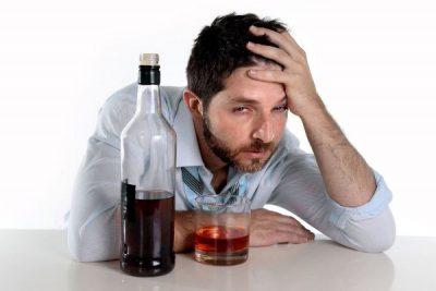 Алкоголь болит голова