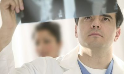 Рентген снимок врач