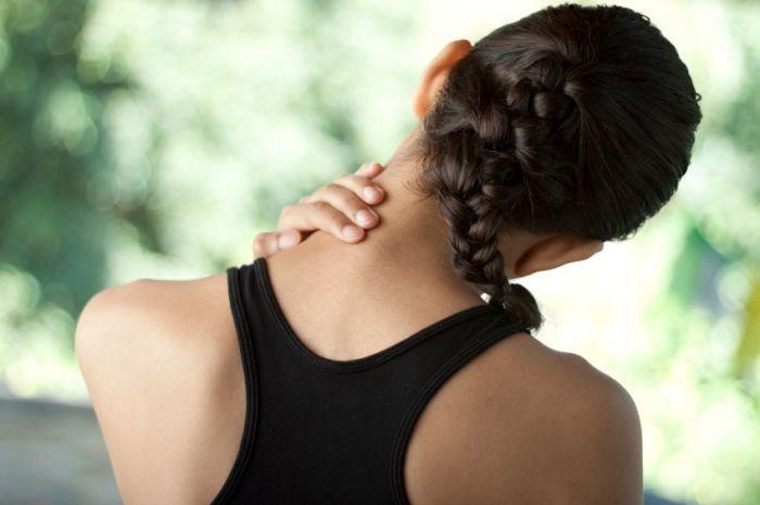 Болит шея при повороте головы