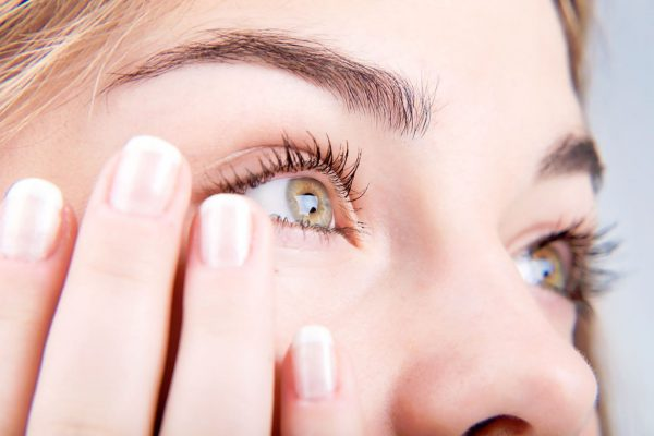 Болит глаз при надавливании