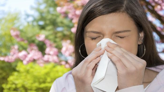 Покраснение глаза при аллергии