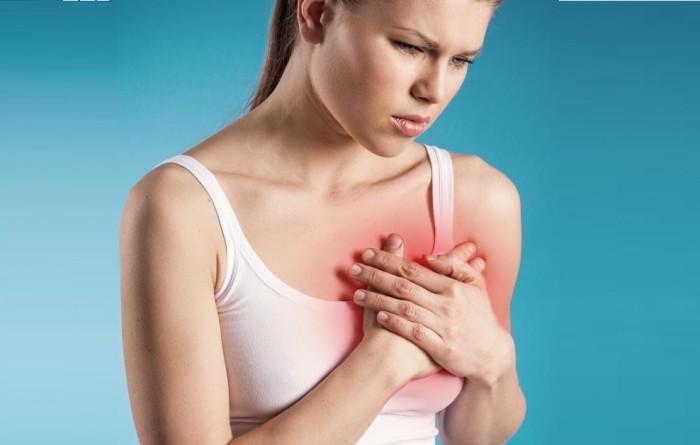 Боль в груди у женщины в молочных железах