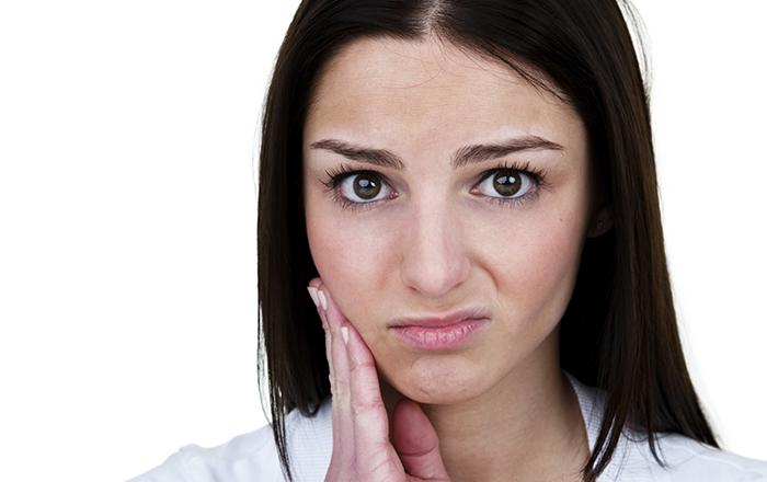 Болит подбородок и опухло