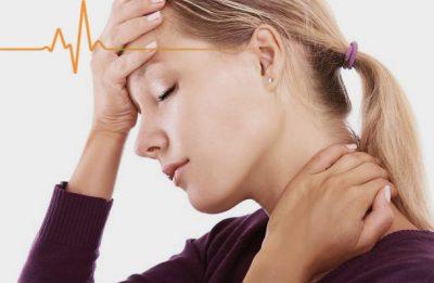 Болит затылок голова